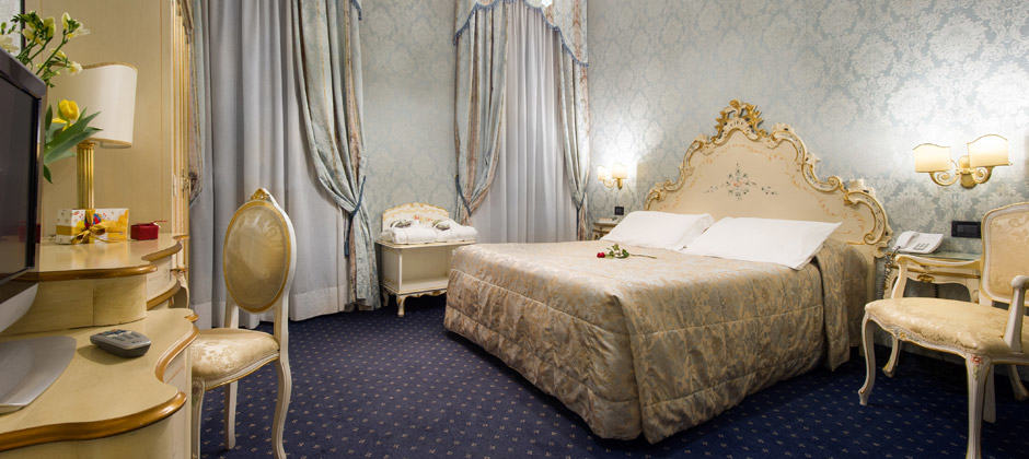 Superior Double Room Overlooking The Grand Canal